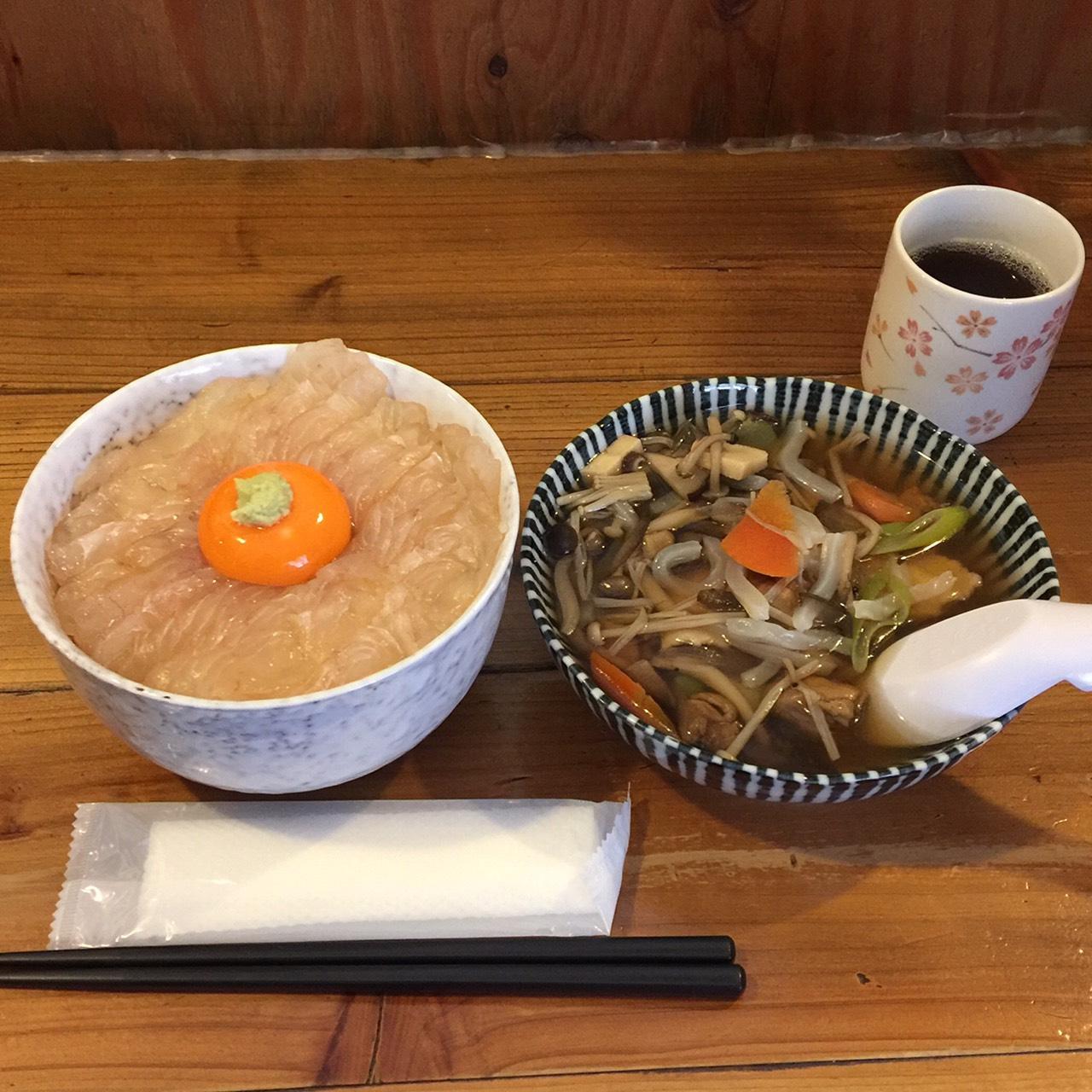 八戸 ヒラメ漬丼 せんべい汁